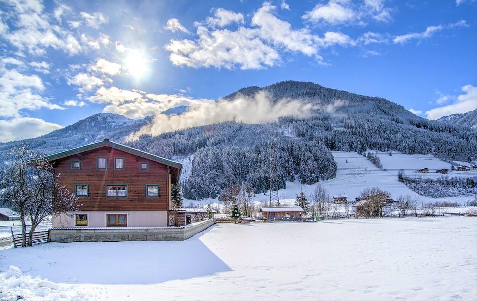 La maison à ossature bois : les avantages en hiver